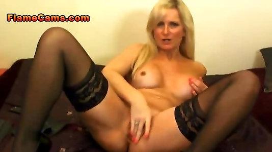 Fat Hooter Platinum-blonde Milf In Pantyhose