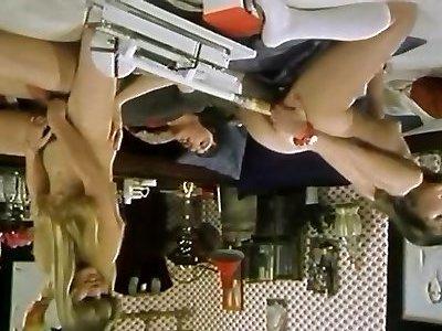 сериала почти ретро порно фильмы с женскими ногами в юбке под столом временем это