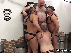 Gay Bear tube
