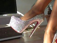 LGH - Tamia Heels und Nylons - powered by ladygaga-heels