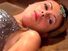 Alyssa Milano - Charmed season 5 e03-23