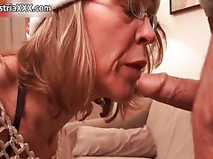 Horny mature slut goes crazy sucking