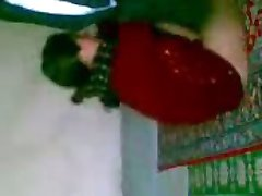 arab Girl Djienz on the ground