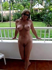 amateur outdoor nude