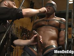 Osiris Blade just started as a production assistant with KinkMen, so Sebastian shows him around...