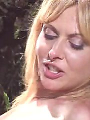 Matured horny blonde enjoying intense pumping thrill