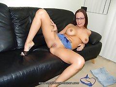 Eyeglassed slut in blue langerie banged in sofa
