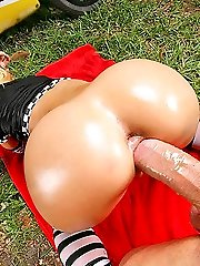 Horny jada and her sexy ass cuise up on this atv for a super hot pussy pounding video fuck in...