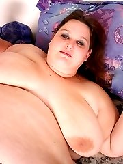 Hefty mature model Ann wastes no time in showing off her pussy and gets splooged with cum