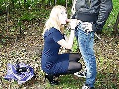 Girl in leggins fucking outdoors