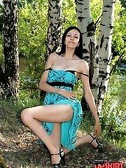 Teen upskirt erotica of horny legs