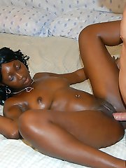 Hot ebony amateur babe with a killer booty