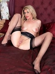 Ashleigh teasing and playing with herself in the bedroom in retro lingerie nylons and heels, all juiced up and on heat!