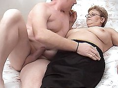 Chubby mature chick Lynn wears her reading glasses while getting hardcore fucked