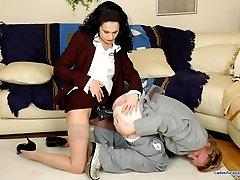 Sweltering business lady doing her horny co-worker hard right on the floor