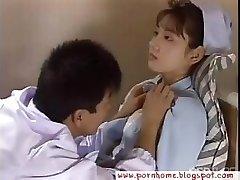 Asyalı Hemşire doktor tarafından becerdin