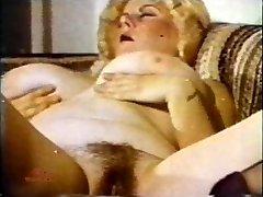 Big Tit Marathon de 130 années 1970 - Scene 2