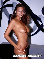 Outdoor anal hardcore with pornstar hottie Jewel De'Nyle