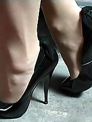If damsels shoes make you go hard just by looking at them then Mel's cute fashionable footwear will do it for you. Just look at her bony tapered 5 inch heel, with her sensitive bow at the back and her cute pointed fronts