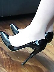 With your fetish in mind Jackie shows the high heel, the sole and low cut cleavage of her sexy shoes! All the time she shows her sexual understanding of how shoes like hers affect you because you know they do