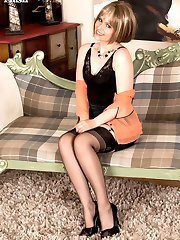 Anna loves vintage and really gets off stripping out of her classic blouse and skin tight pencil skirt spreading her shapely nylon legs and she gets off!