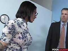 Cuckold eyeing his Hotwife Juelz Ventura With A Dark-hued