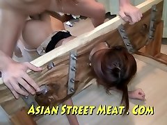 Asiatico Sweety Sodomised In Calze E Le Scorte