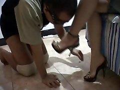 素敵な足の中国タイで左のqrコードを読み取り