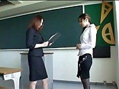171 Neue Lehrerin Spanked für Schlechte Leistung