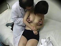 Asiatische Arzt Liebt Zu Ficken Schulmädchen