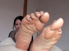 Asian Takes Off Her Nylons