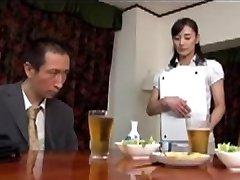 יפנית בוגרת עושה סקס עם בוס בעל 2