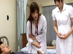 ריקה נאגסוואה ומאו Sakurai שובב אסיה אחיות לעשות creampie מרפאת