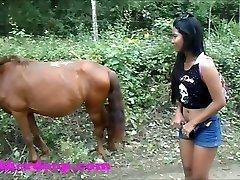 הת ' ר עמוק 4 לגלגל על מפחיד מהיר quad ו להשתין ליד הסוסים