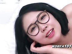 KOREA1818.COM - Sexy Glasses Korean Babe!