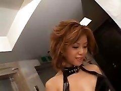 Akane Hotaru sploogs while toying