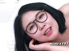 KOREA1818.COM - Uber-sexy Glasses Korean Babe!