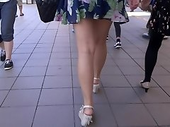 Mind-blowing Legs Walk 006