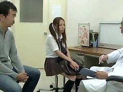 Zdravstveni pregled, s vroče Asian lisica se zajebal s visela zdravnik