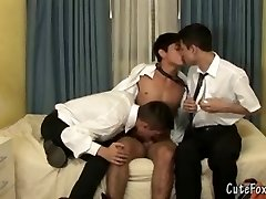 Two boys team up to blow a foxy twink
