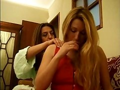 Ana Paula Melo & Cristina Younger - Portuguese jealous housewive beat down by a call girl.
