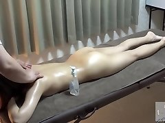 The First In Erotic Rubdown History The Electric Massage Is Rejected During The Approach And The Meat Beauty Vibe Is Inserted As Desired For The Cool Beauty Who Has Requested The Special Massage Instantaneously
