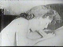 Super-hot slut sucking vintage cock