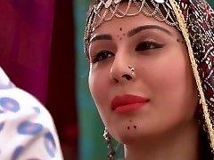 Zigeuner meisje bollywood film xxx fantasie verhaal naaktheid exotische kostuum
