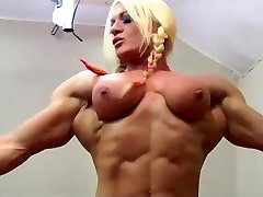 Mature Plumper gets belt dick by a muscle woman