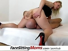 Czech housewife Gabina slit licking and pussy-smothering ftv