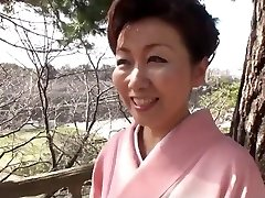 39 yr elder Yayoi Iida Swallows 2 Fountains (Uncensored)
