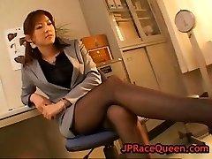 Γλυκό χιρόμι aoyama παίρνει το μουνί έγλειψε part6
