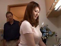 Εκπληκτικό Ιαπωνικό γκόμενα Momoka Νισίνα στην Καυλωμένη Τσιμπούκι, POV JAV σκηνή