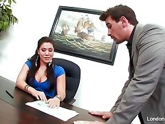 Japanese bombshell London Keyes gets an office fuck